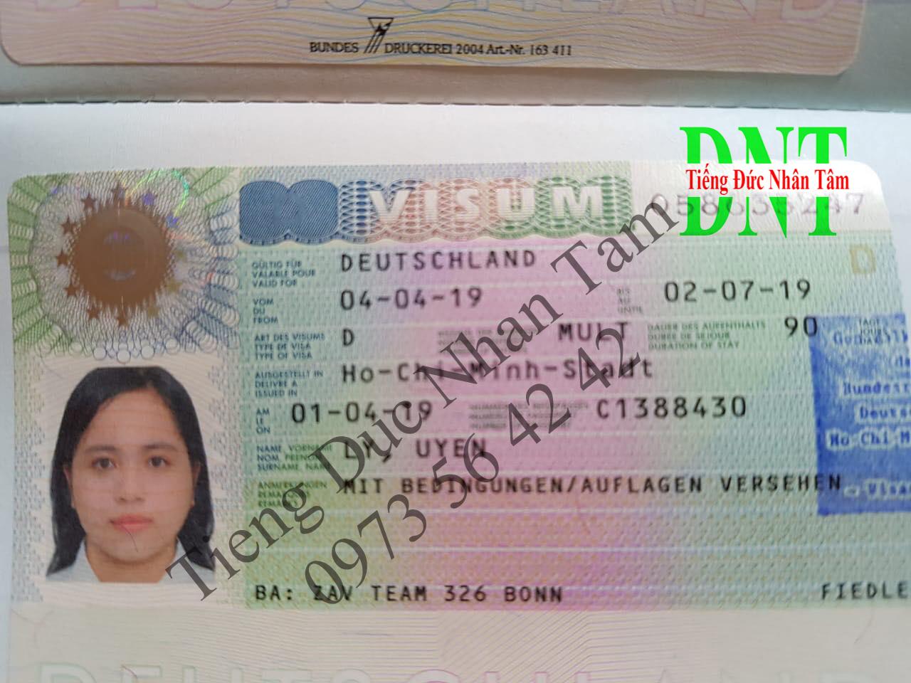 Visa Uyen
